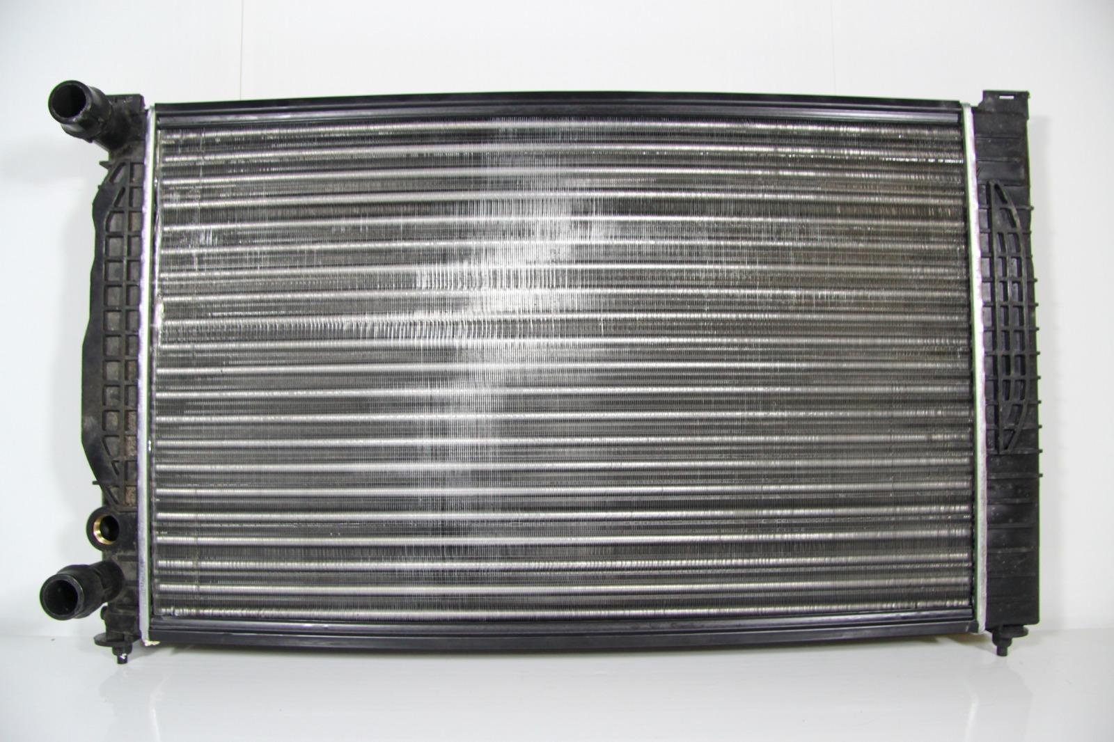Радиатор охлаждения Audi A4 B5 1995