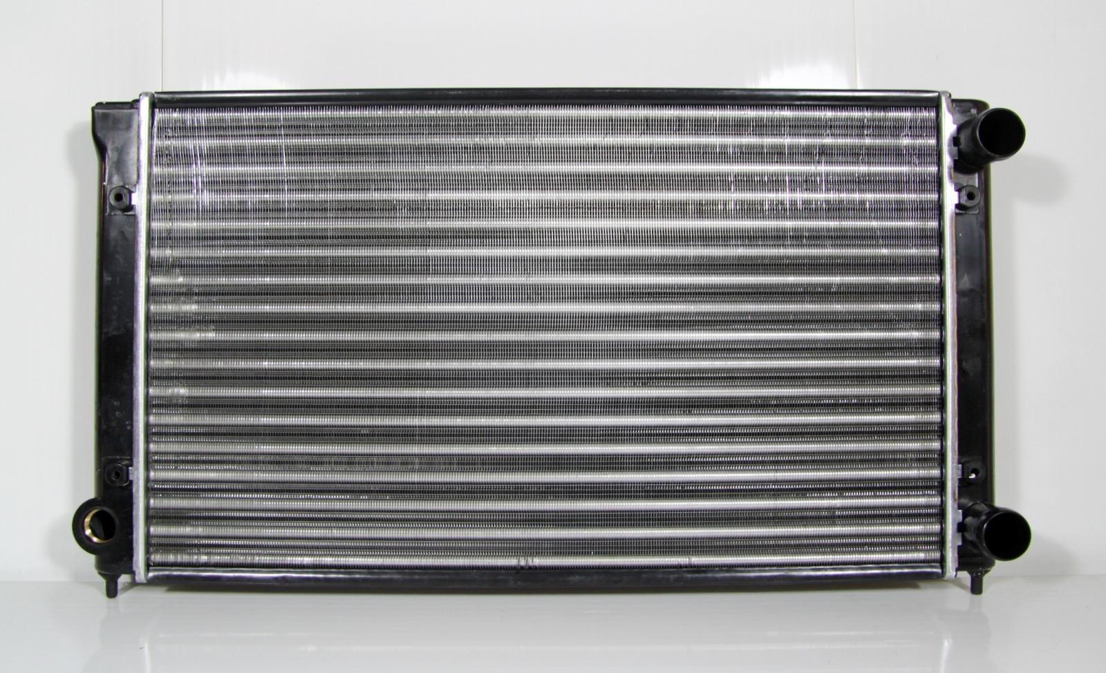 Радиатор охлаждения Volkswagen Passat B3 1988