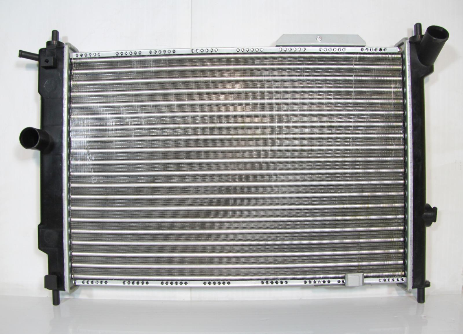 Радиатор охлаждения Opel Astra F