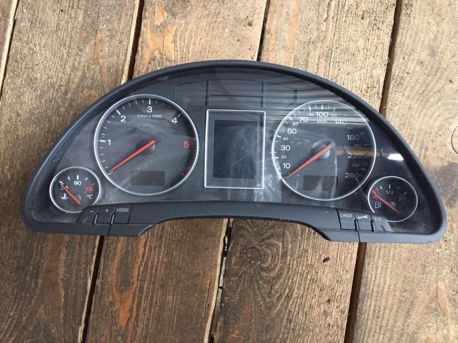 Приборная панель Audi A4 B6 2000 (б/у)