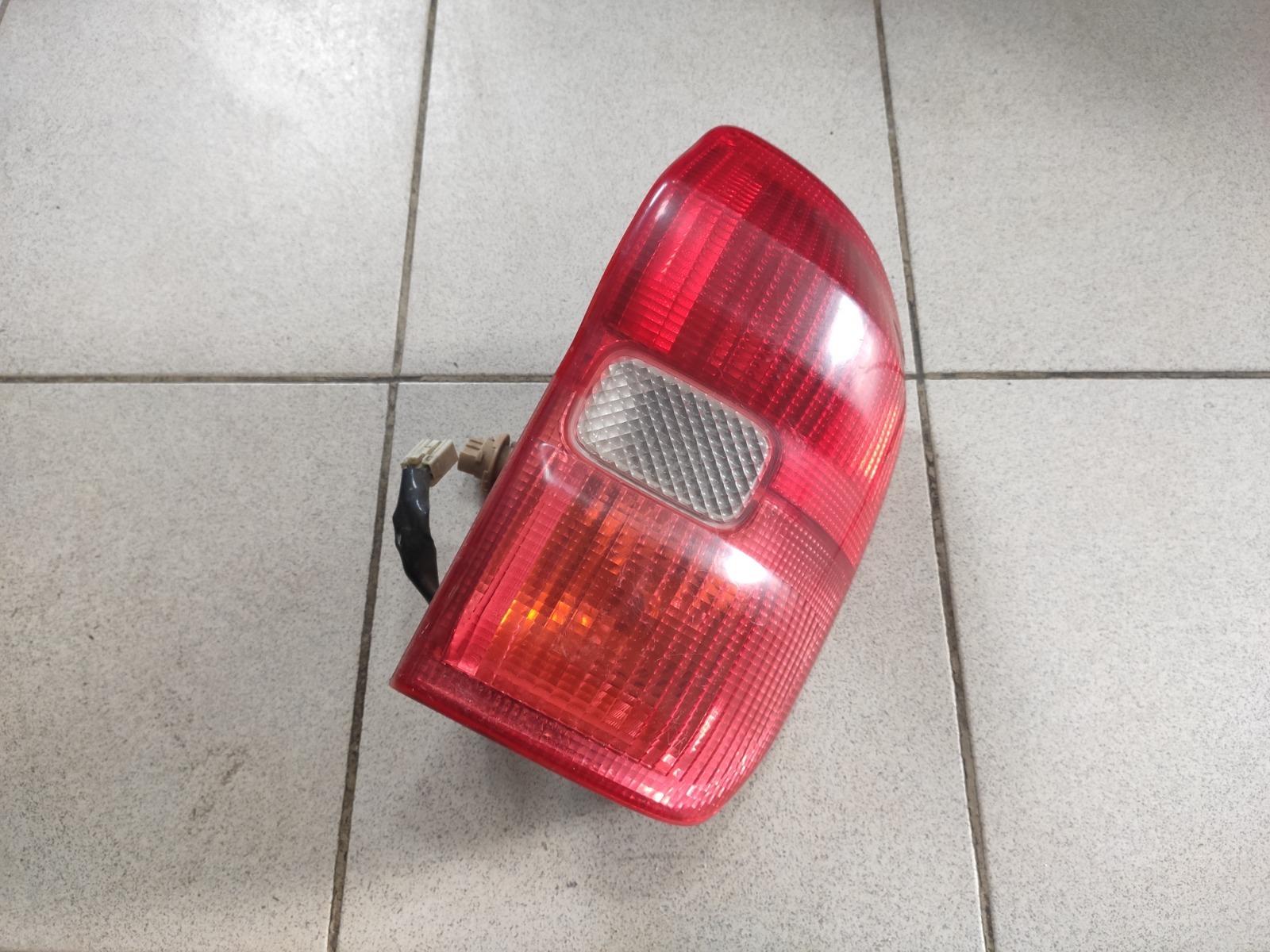 Фонарь Toyota Rav 4 2000 задний правый (б/у)