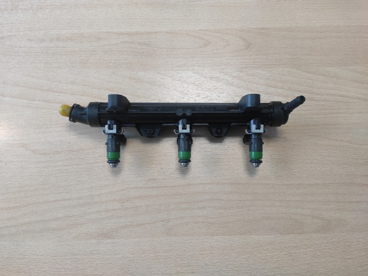 Топливная рампа Skoda Fabia 2 (б/у)