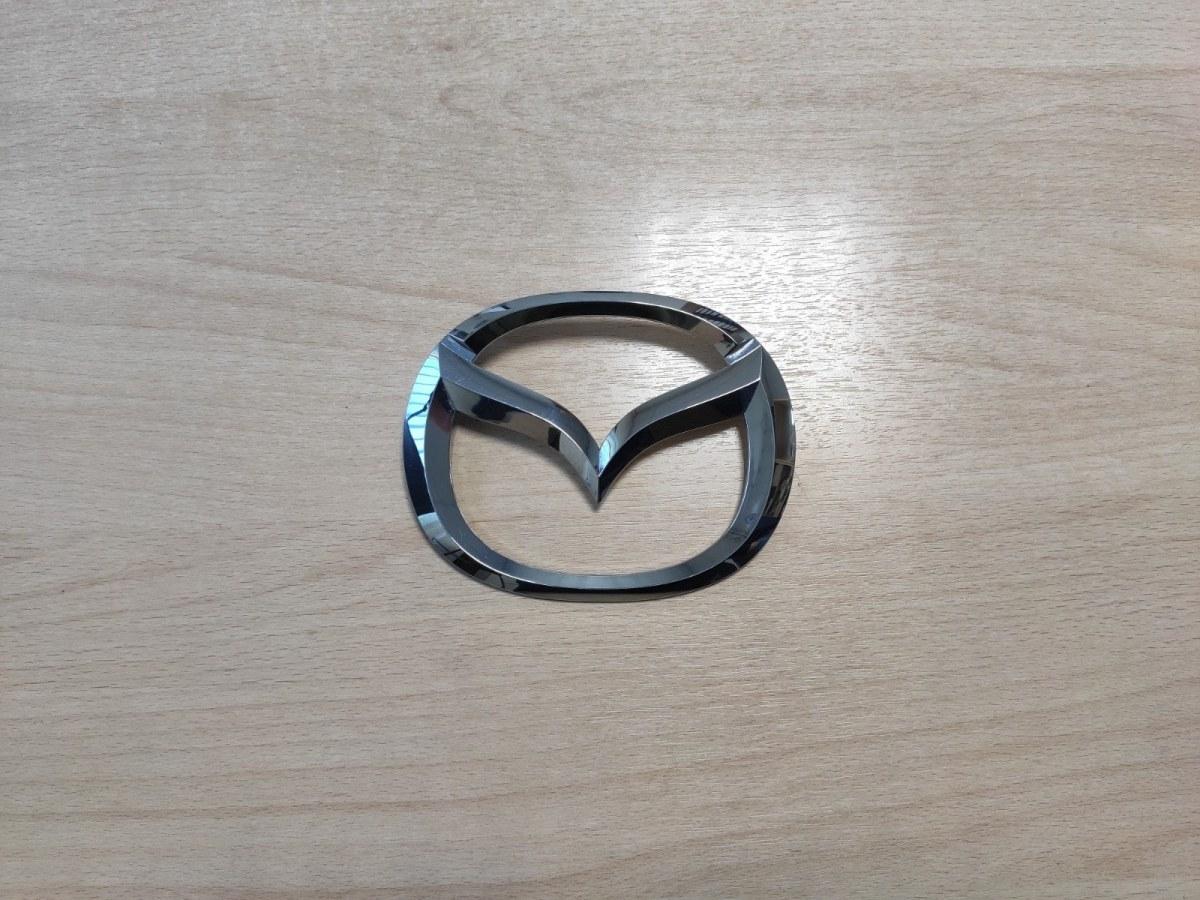 Эмблема Mazda 3 BK задняя (б/у)