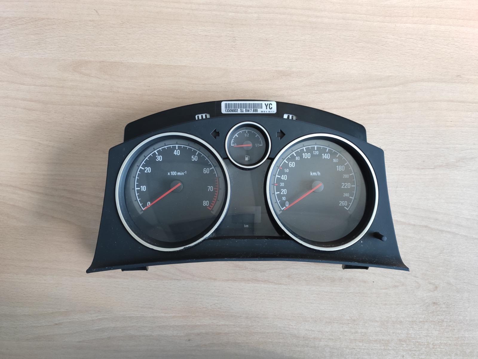 Приборная панель Opel Astra H СЕДАН 1.6 2011 (б/у)
