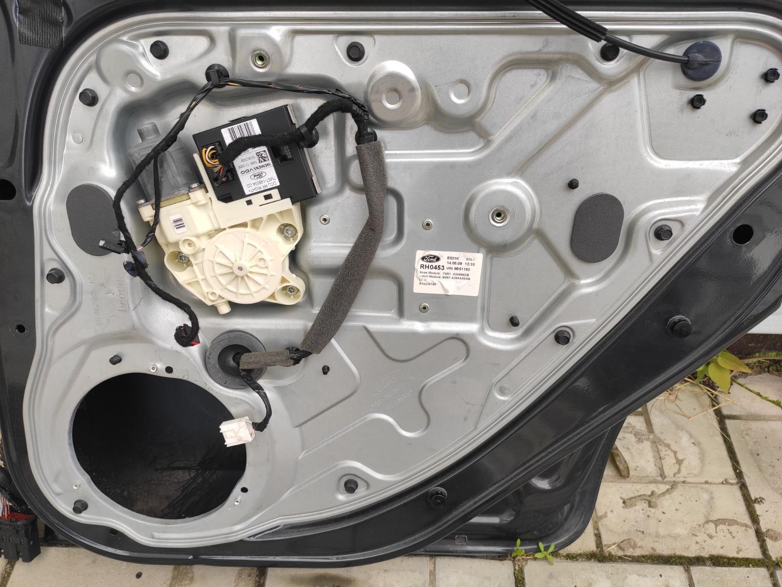 Стеклоподъемник Ford Focus 2 УНИВЕРСАЛ 2008 задний правый (б/у)