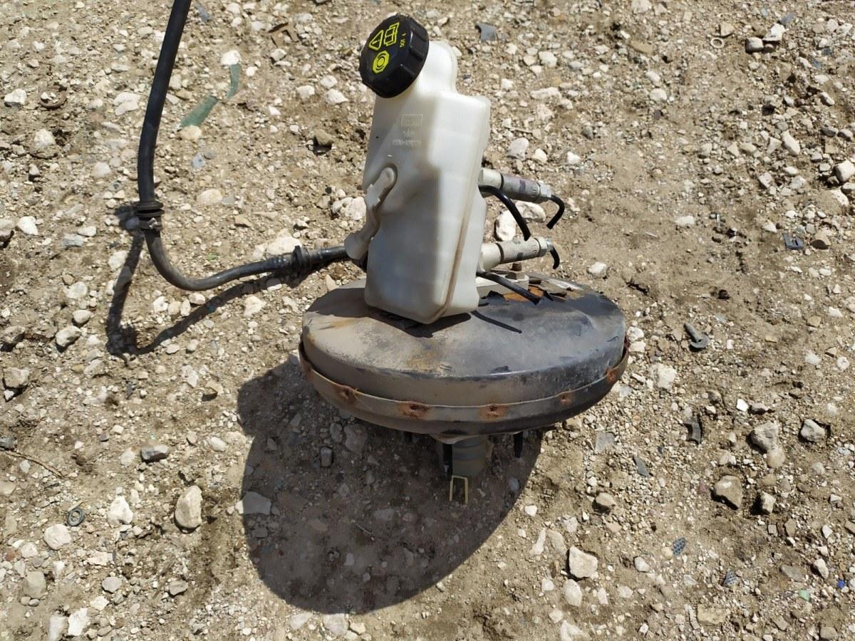 Вакуумный усилитель тормозов Ford Focus 2 УНИВЕРСАЛ 1.6 2005 (б/у)