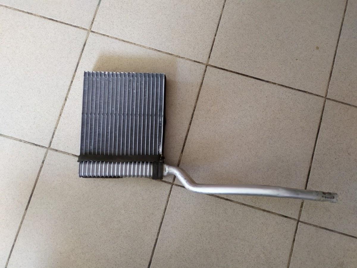 Радиатор печки, радиатор отопителя Ford Focus 2 УНИВЕРСАЛ 1.6 2005 (б/у)