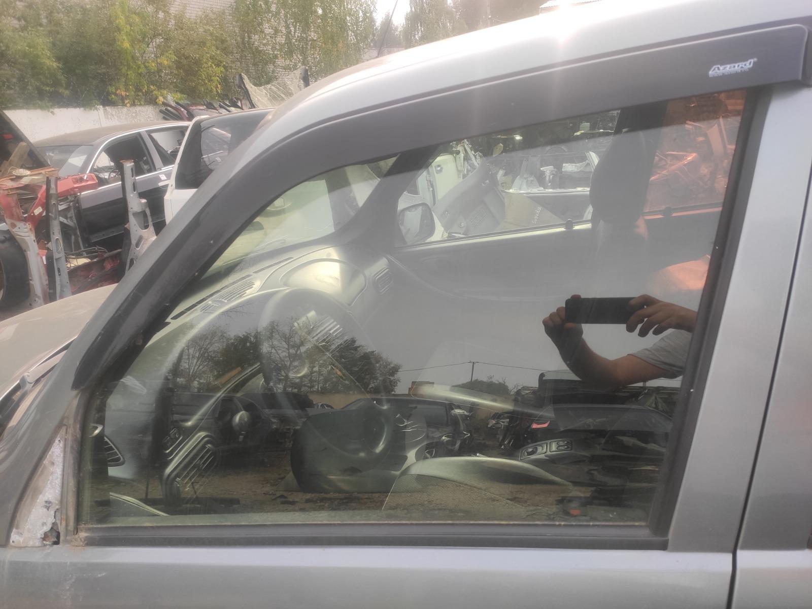 Стекло дверное Chevrolet Niva 1.7 2008 переднее левое (б/у)