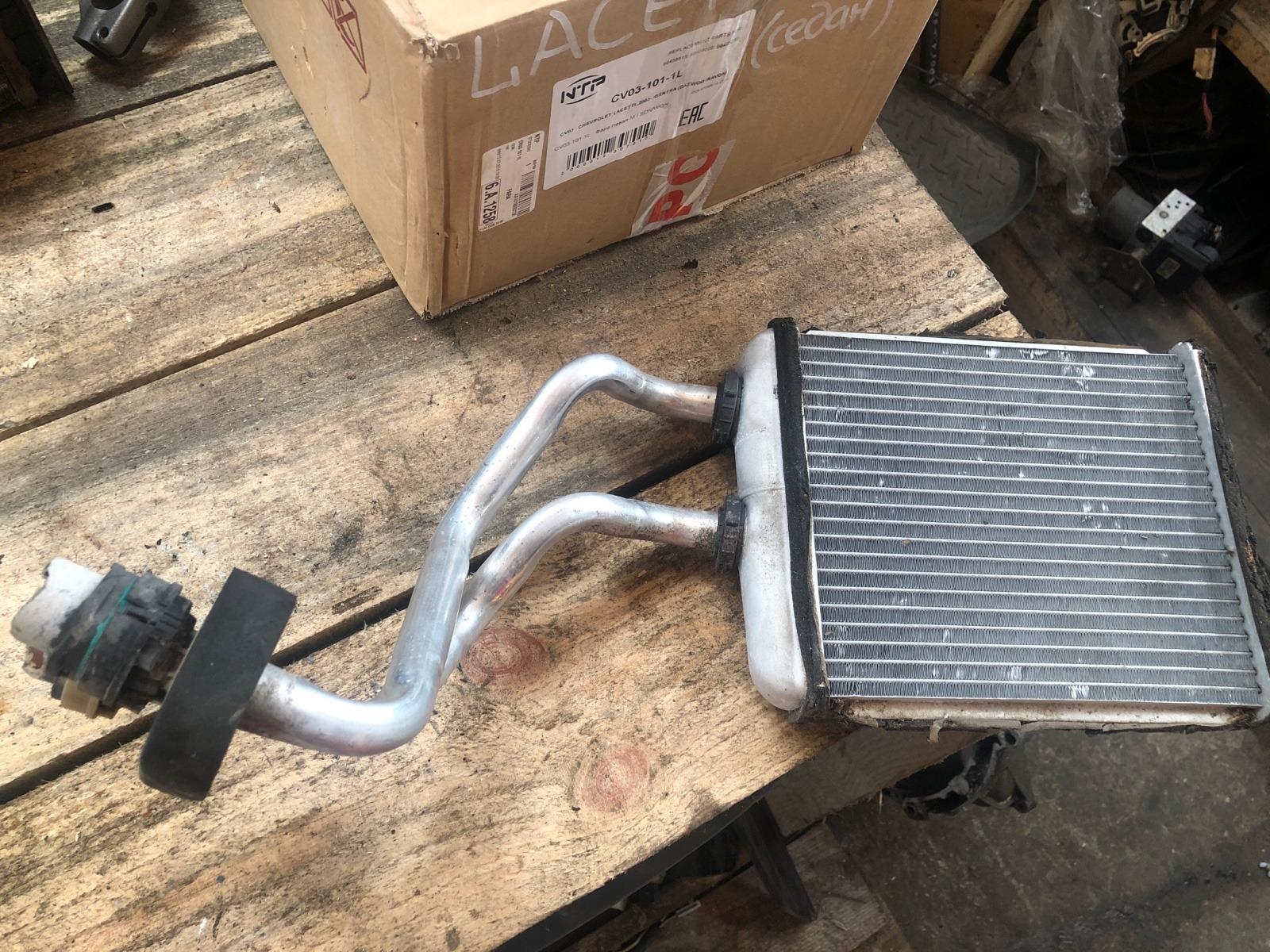 Радиатор печки, радиатор отопителя Opel Astra H 2011 (б/у)