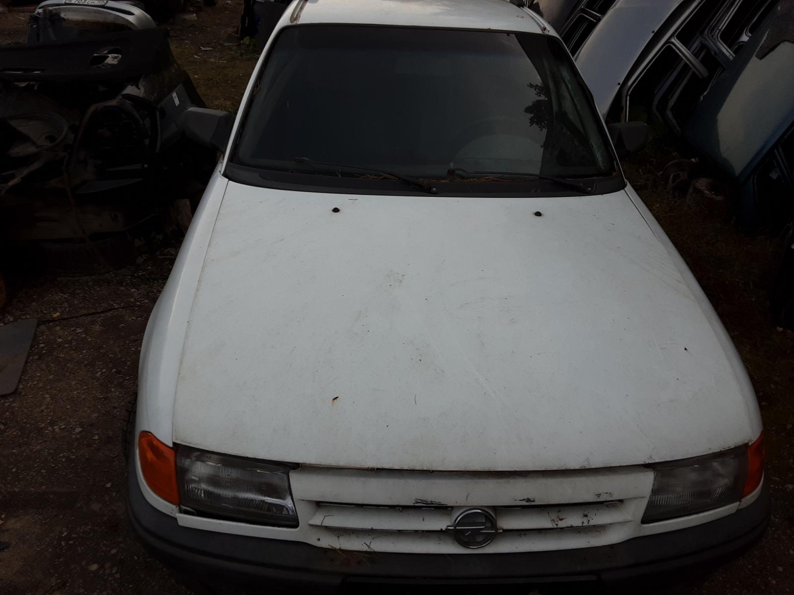 Капот Opel Astra F УНИВЕРСАЛ 1.7 1992 (б/у)