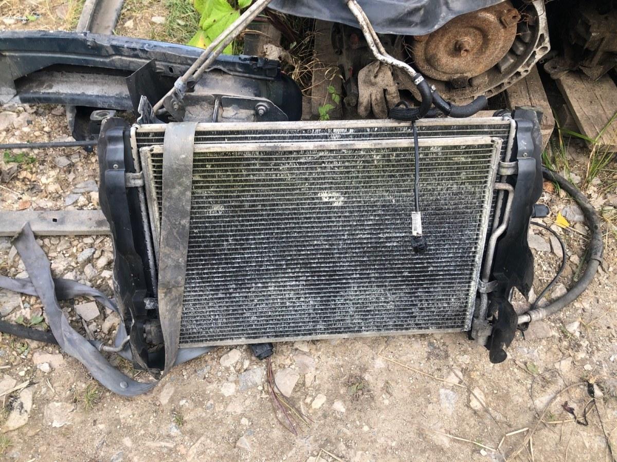 Радиатор охлаждения двигателя Audi A4 B6 2002 (б/у)