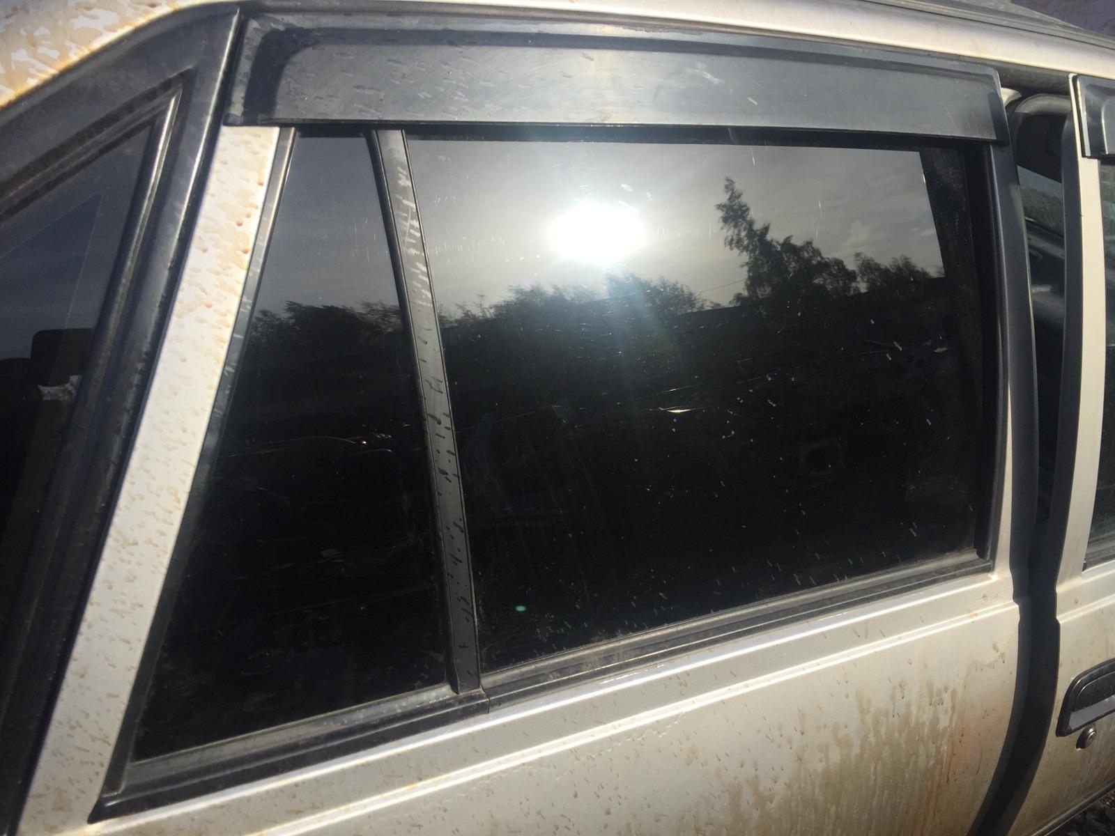 Стекло дверное Daewoo Nexia N100 1995 заднее правое (б/у)