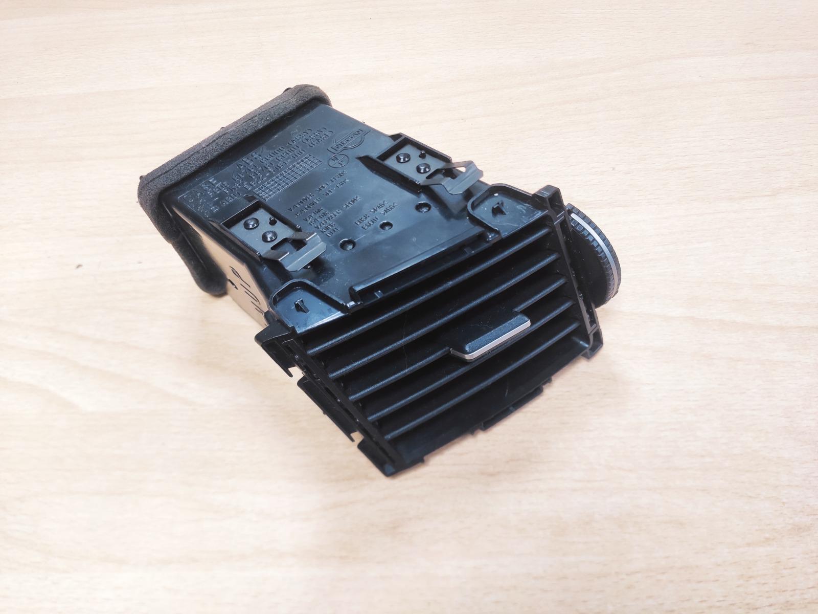 Дефлектор Infiniti Fx35 S50 3.5 2004 левый (б/у)