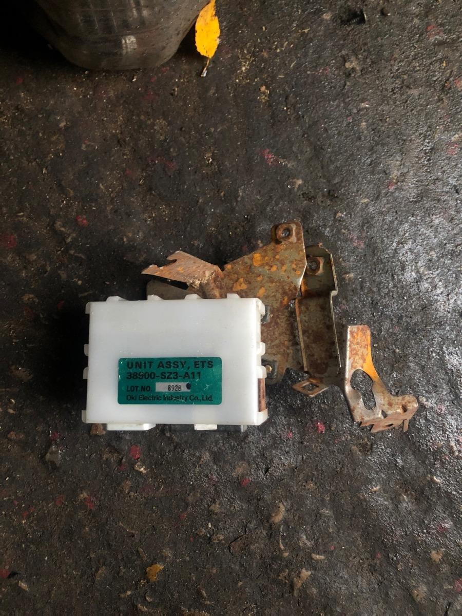 Электронный блок управления Honda Legend KA9 2000 (б/у)
