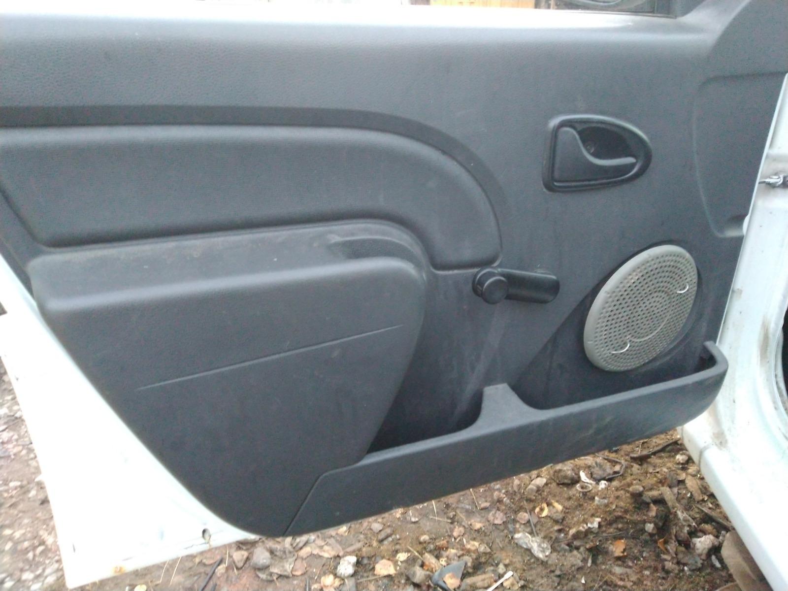 Обшивка двери Renault Logan СЕДАН 1.4 2008 передняя левая (б/у)