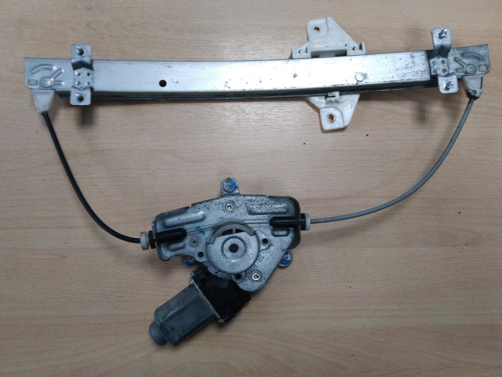 Стеклоподъемник Hyundai Solaris СЕДАН 2010 задний правый (б/у)