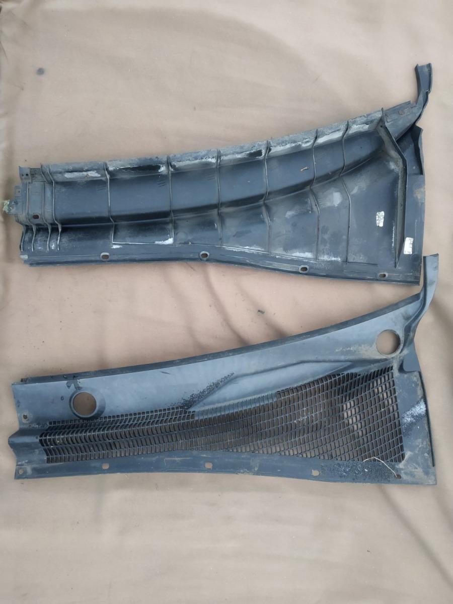 Решетка под лобовое стекло (жабо) Chevrolet Lacetti ХЭТЧБЕК 5ДВ. 1.6 2006 (б/у)