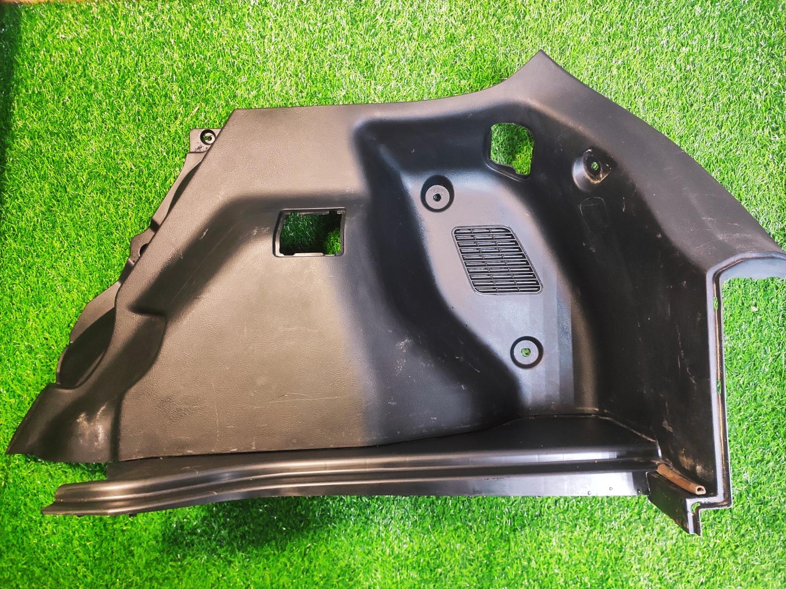 Обшивка багажника Nissan Tiida C11 1.5 2004 правая (б/у)