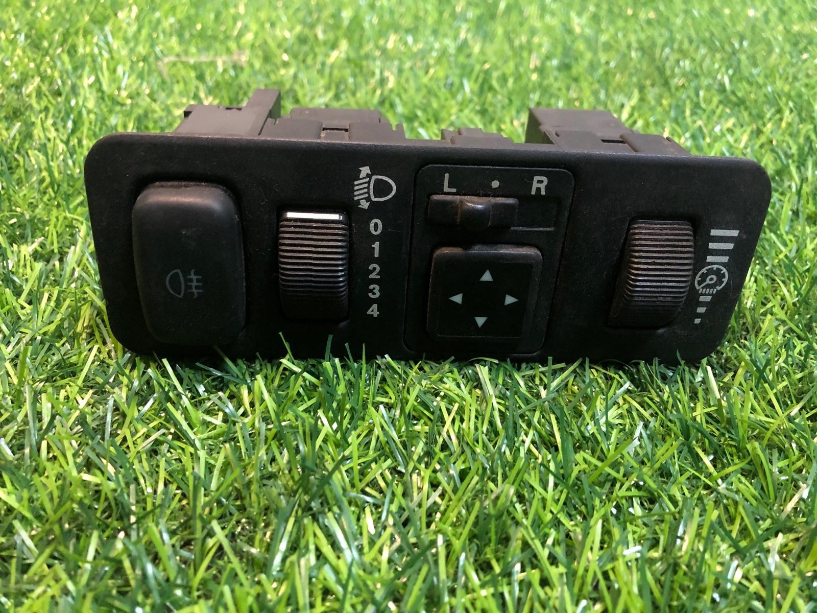 Блок управления светом Mitsubishi Carisma СЕДАН 1.8 GDI 1999 (б/у)