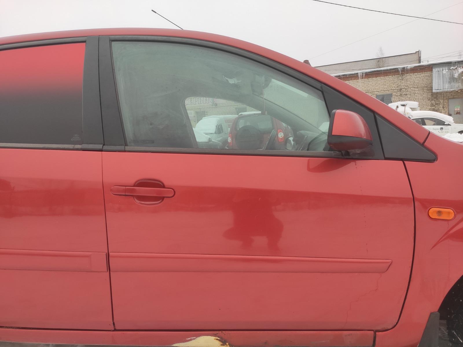 Дверь Ford Fiesta ХЭТЧБЕК 5ДВ. 1.6 2007 передняя правая (б/у)