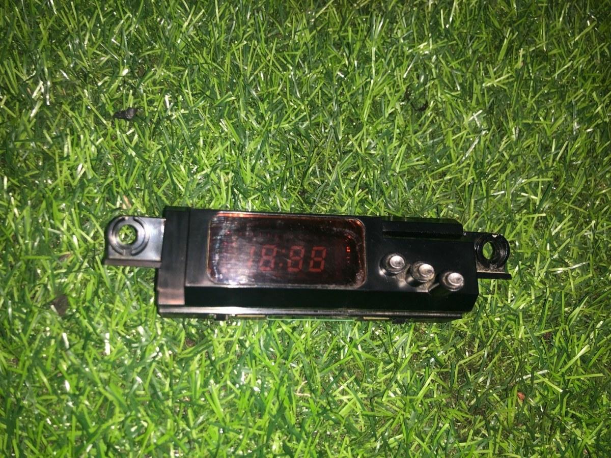 Часы Hyundai Accent СЕДАН 2006 (б/у)