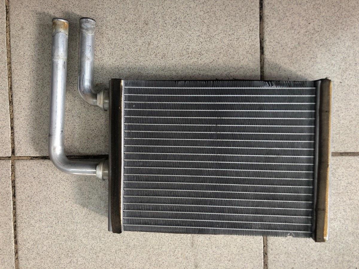 Радиатор печки, радиатор отопителя Mitsubishi Lancer 9 СЕДАН 1.6 2006 (б/у)