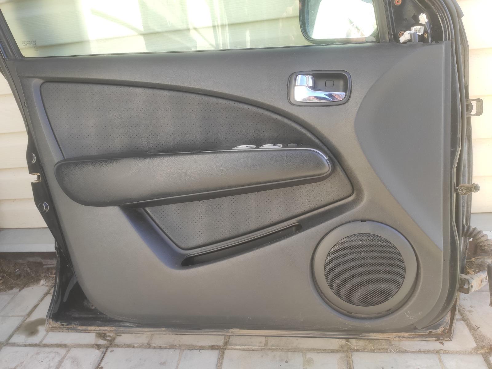 Обшивка двери Mitsubishi Outlander CU5W 2.4 2005 передняя левая (б/у)