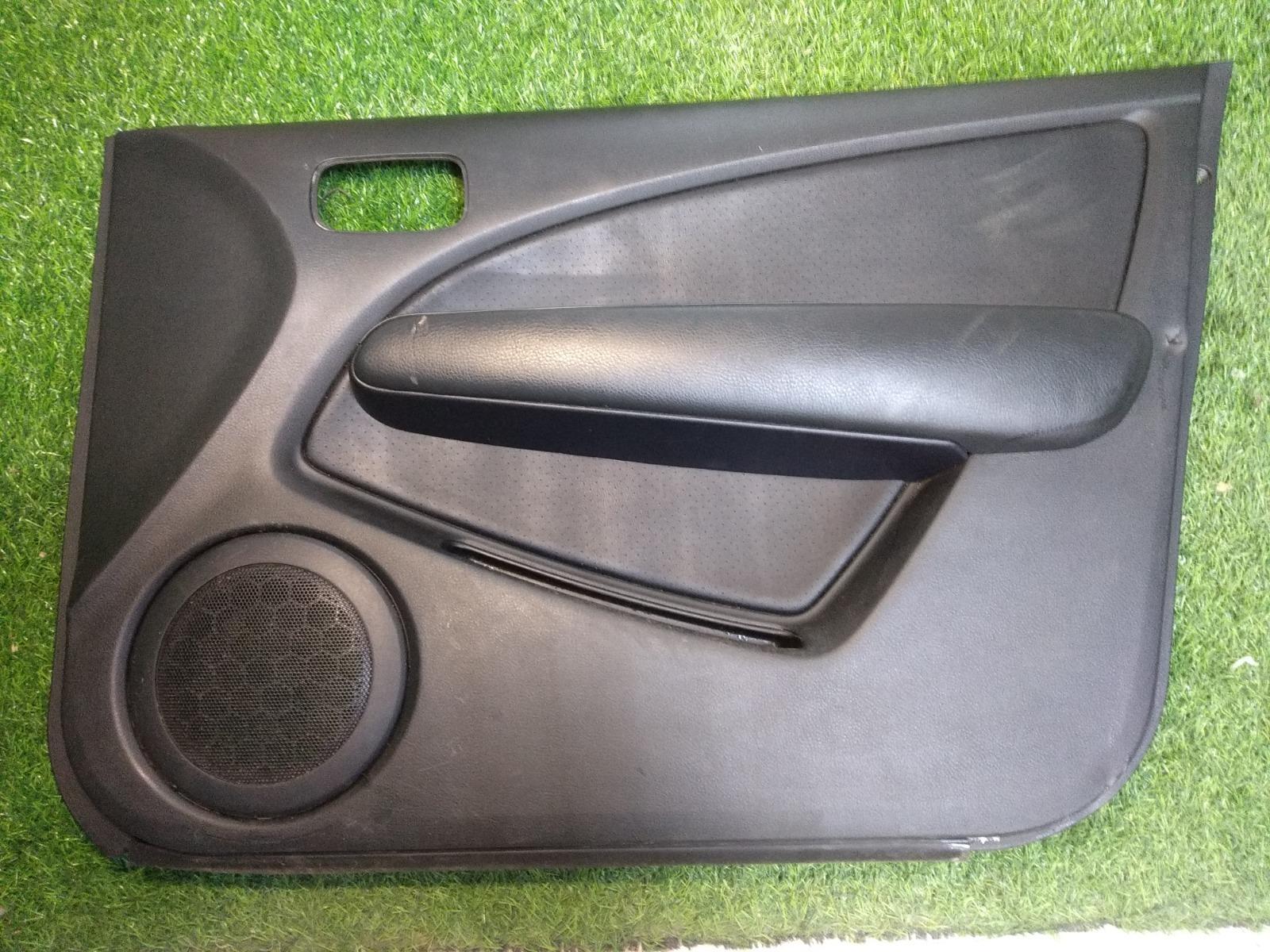 Обшивка двери Mitsubishi Outlander CU5W 2.4 2005 передняя правая (б/у)