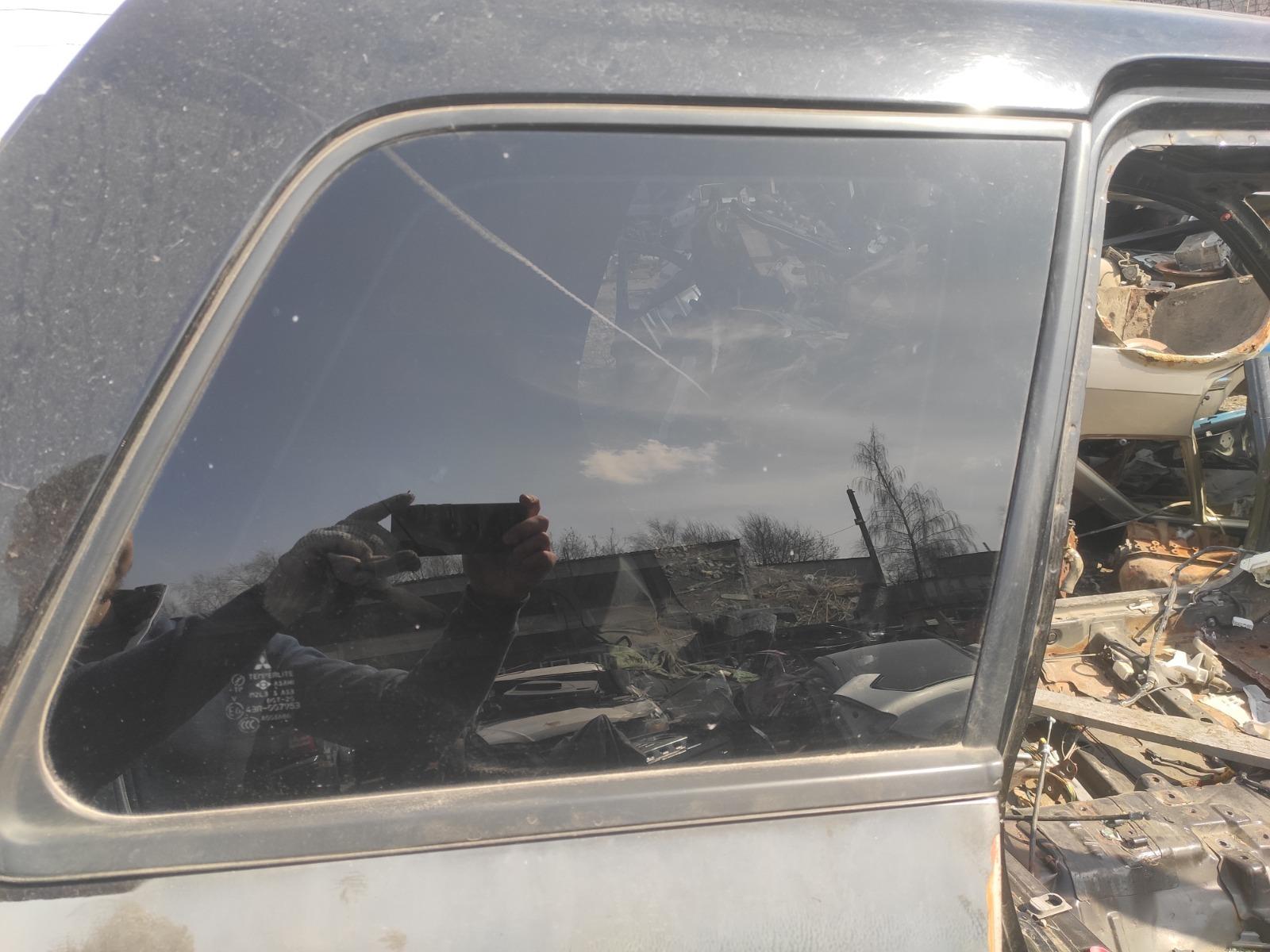 Стекло кузовное Mitsubishi Outlander CU5W 2.4 2005 заднее правое (б/у)
