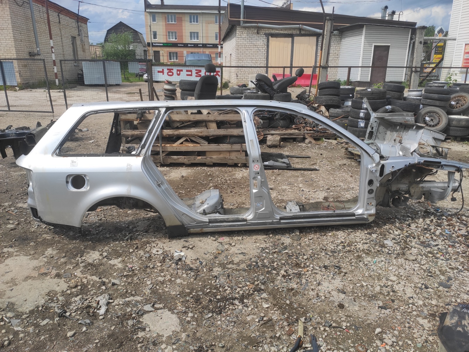 Боковина Audi A6 С5 правая (б/у)