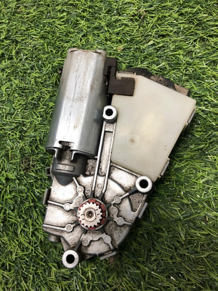 Моторчик люка Audi A4 B6 2001 (б/у)
