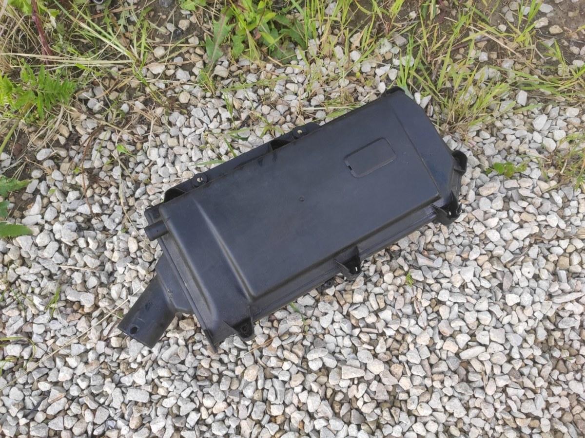 Корпус воздушного фильтра Volkswagen Golf 4 1.4 (б/у)