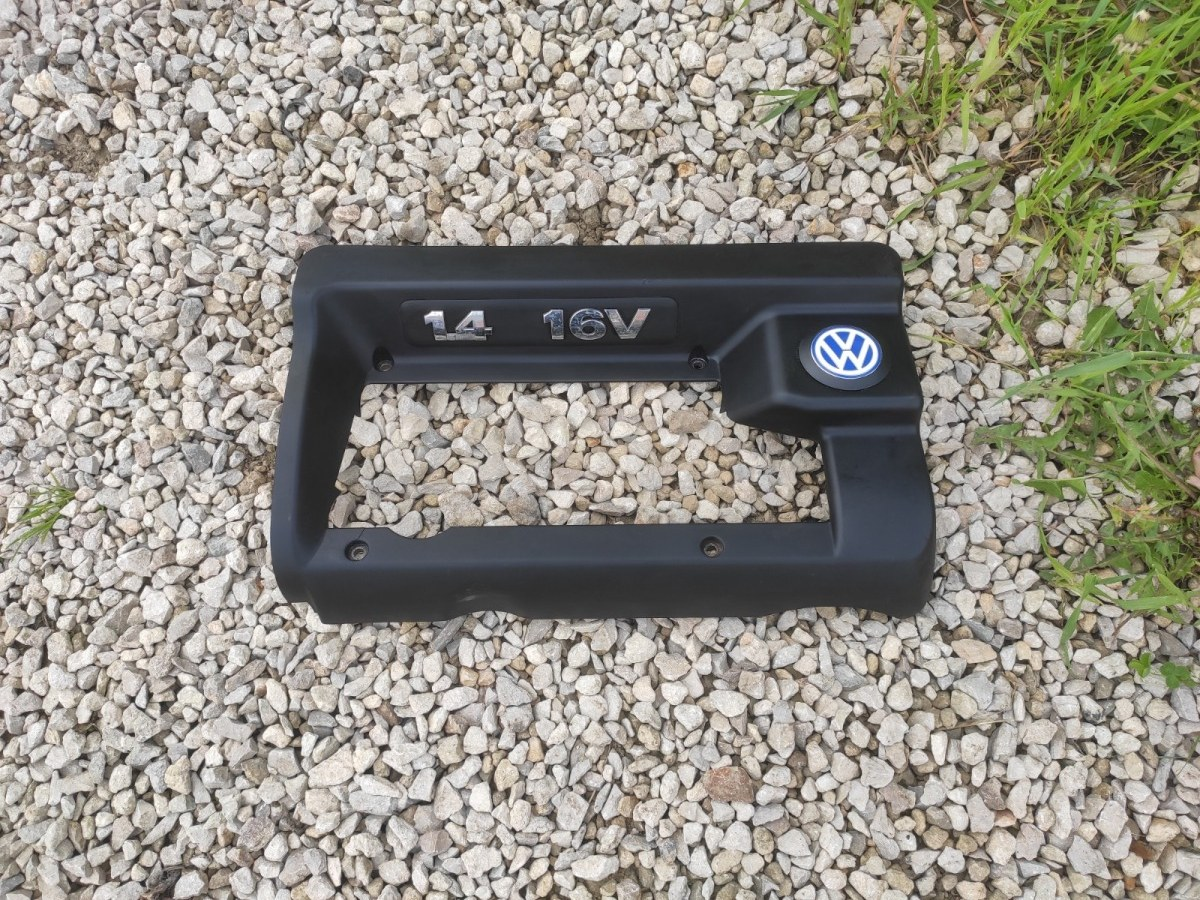 Крышка двигателя декоративная Volkswagen Golf 4 1.4 (б/у)