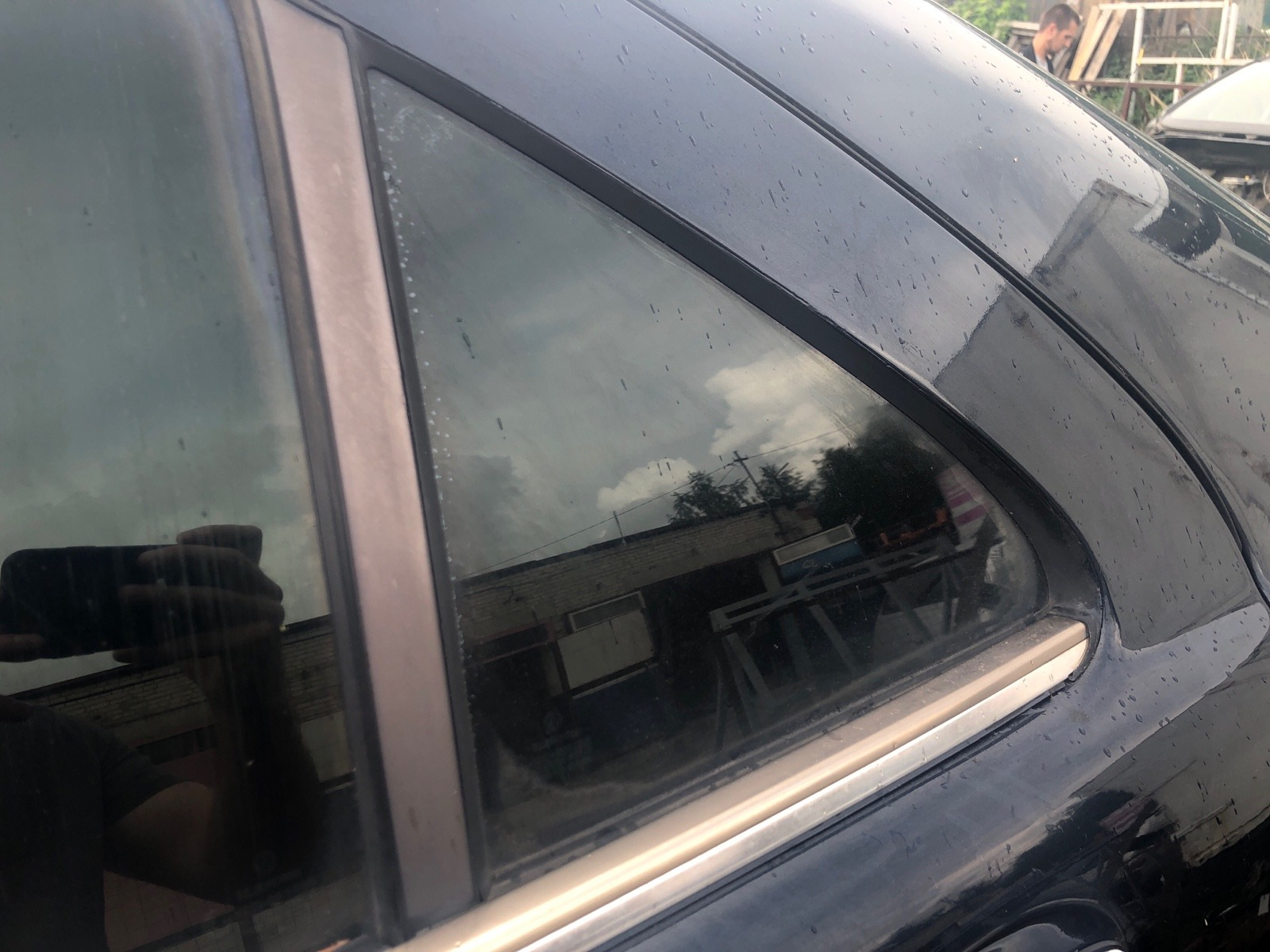 Стекло дверное Mercedes Benz S Class W220 4.3 1999 заднее левое (б/у)