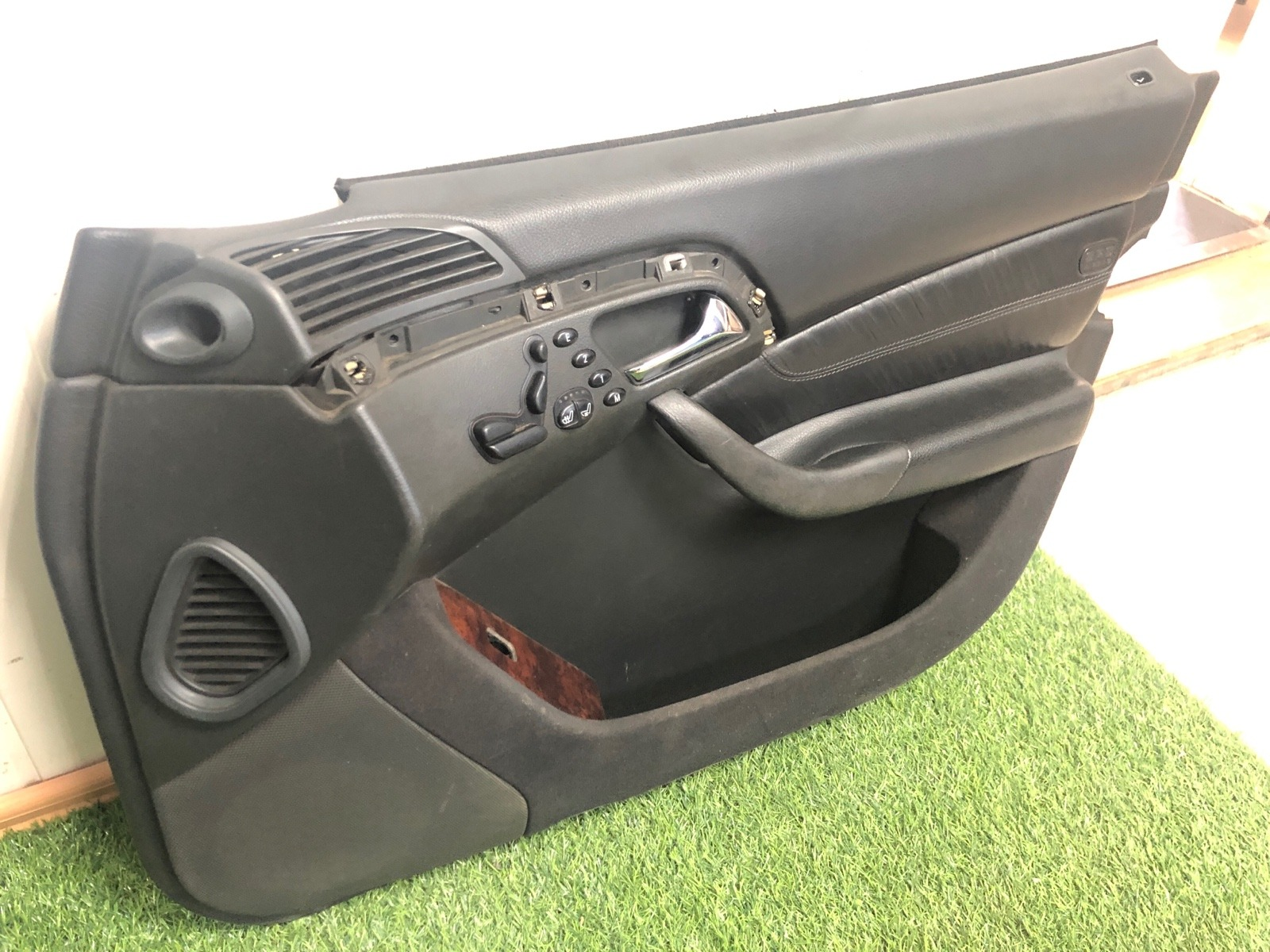 Обшивка двери Mercedes Benz S Class W220 4.3 1999 передняя правая (б/у)