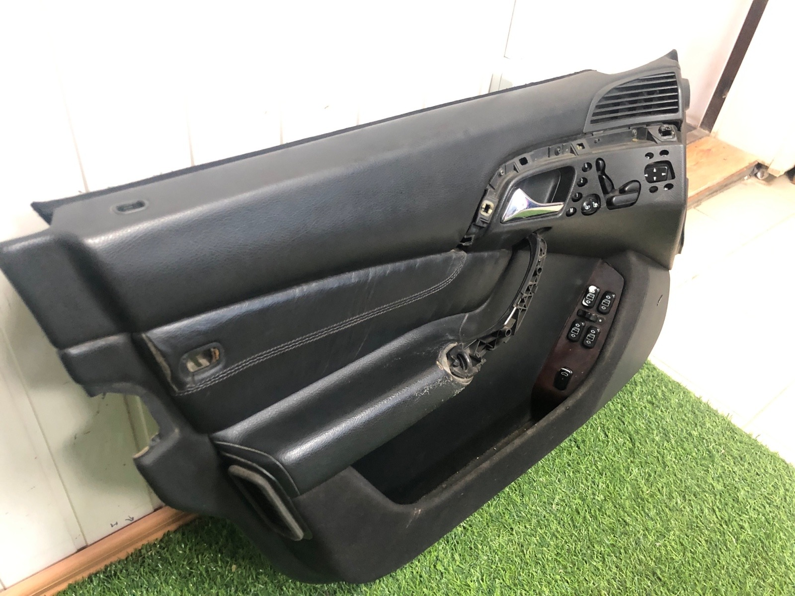 Обшивка двери Mercedes Benz S Class W220 4.3 1999 передняя левая (б/у)