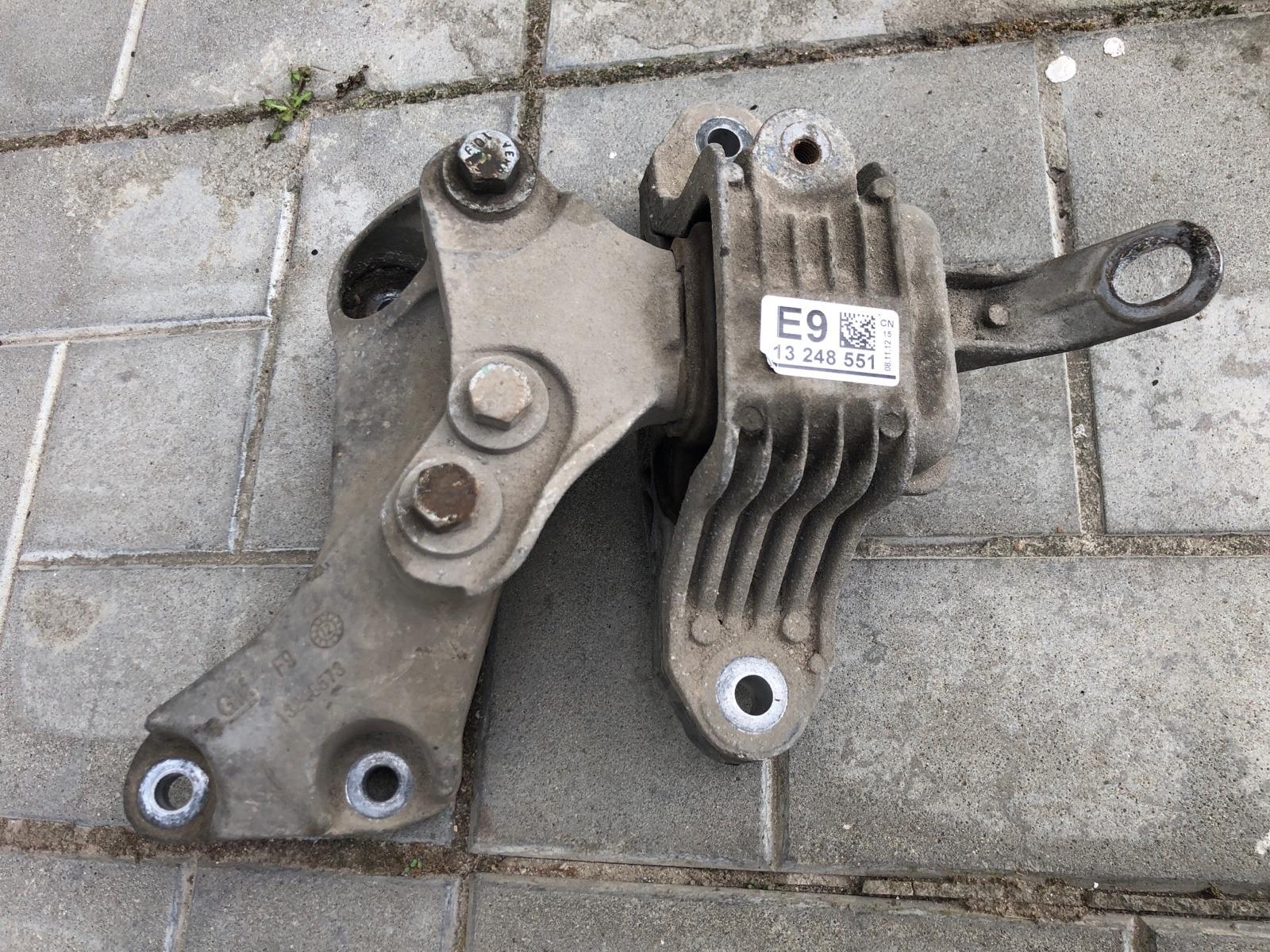 Опора двигателя (подушка) Chevrolet Cruze СЕДАН 1.6 2013 левая (б/у)