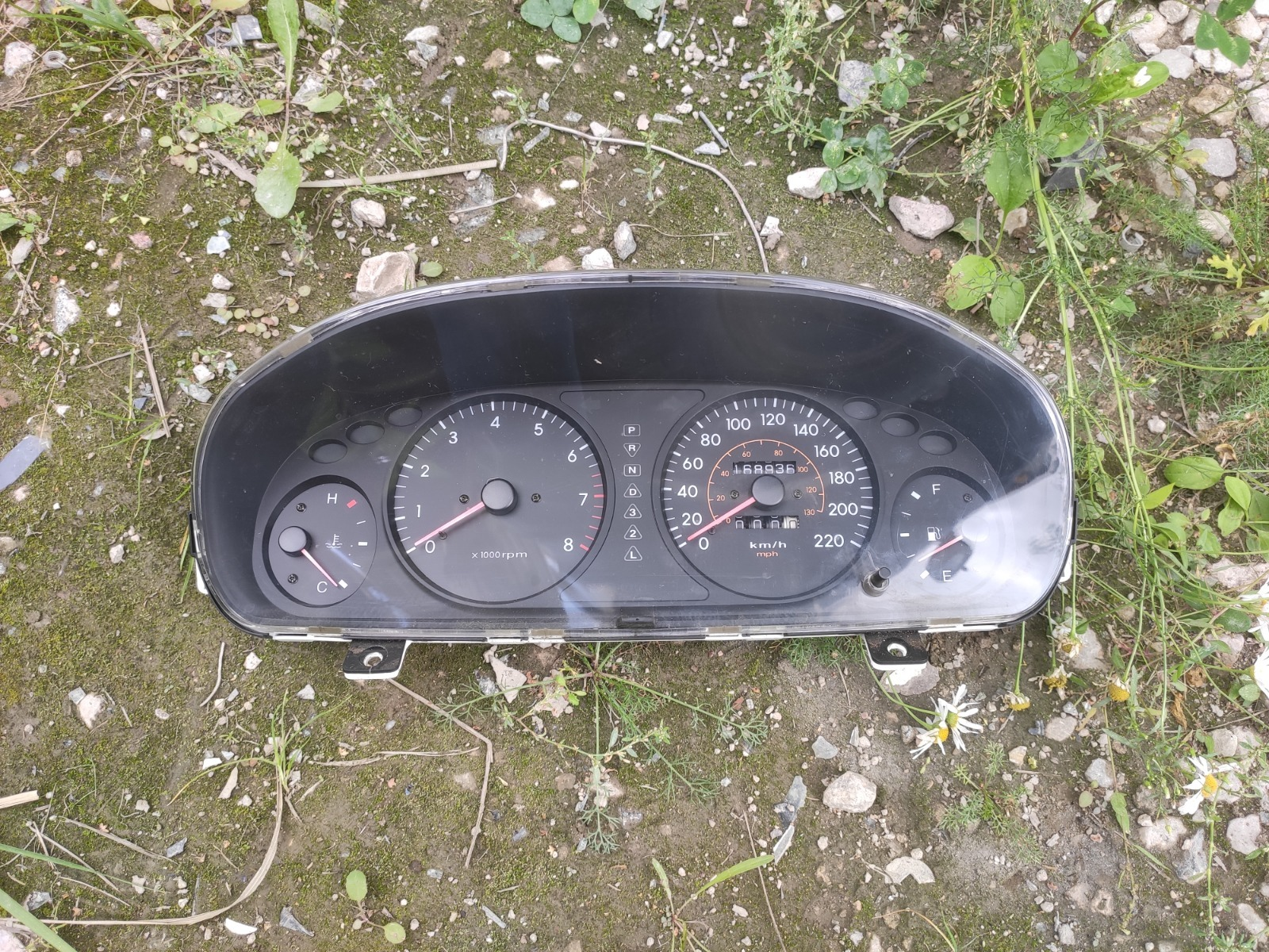 Приборная панель Hyundai Sonata EF 2.4 2000 (б/у)