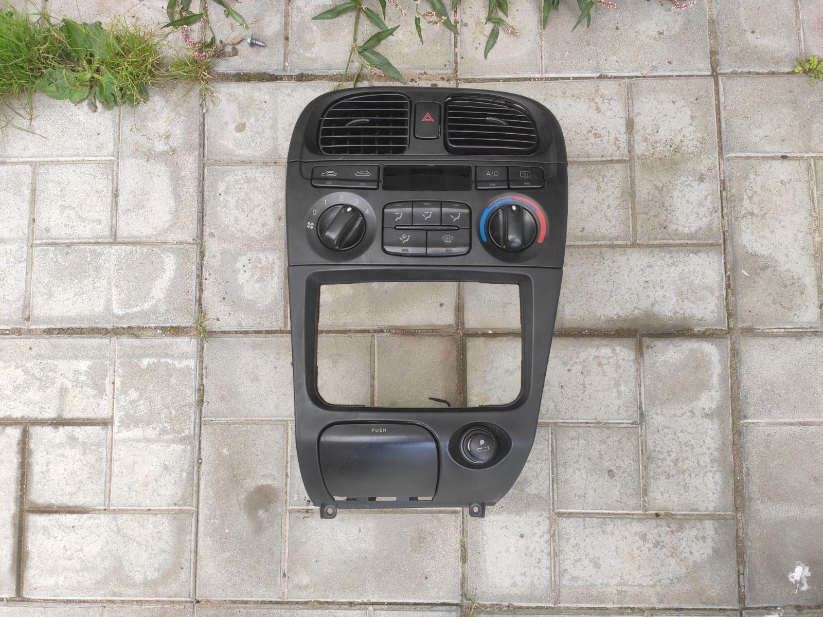 Блок управления климатической установкой Hyundai Sonata EF 2.4 2000 (б/у)