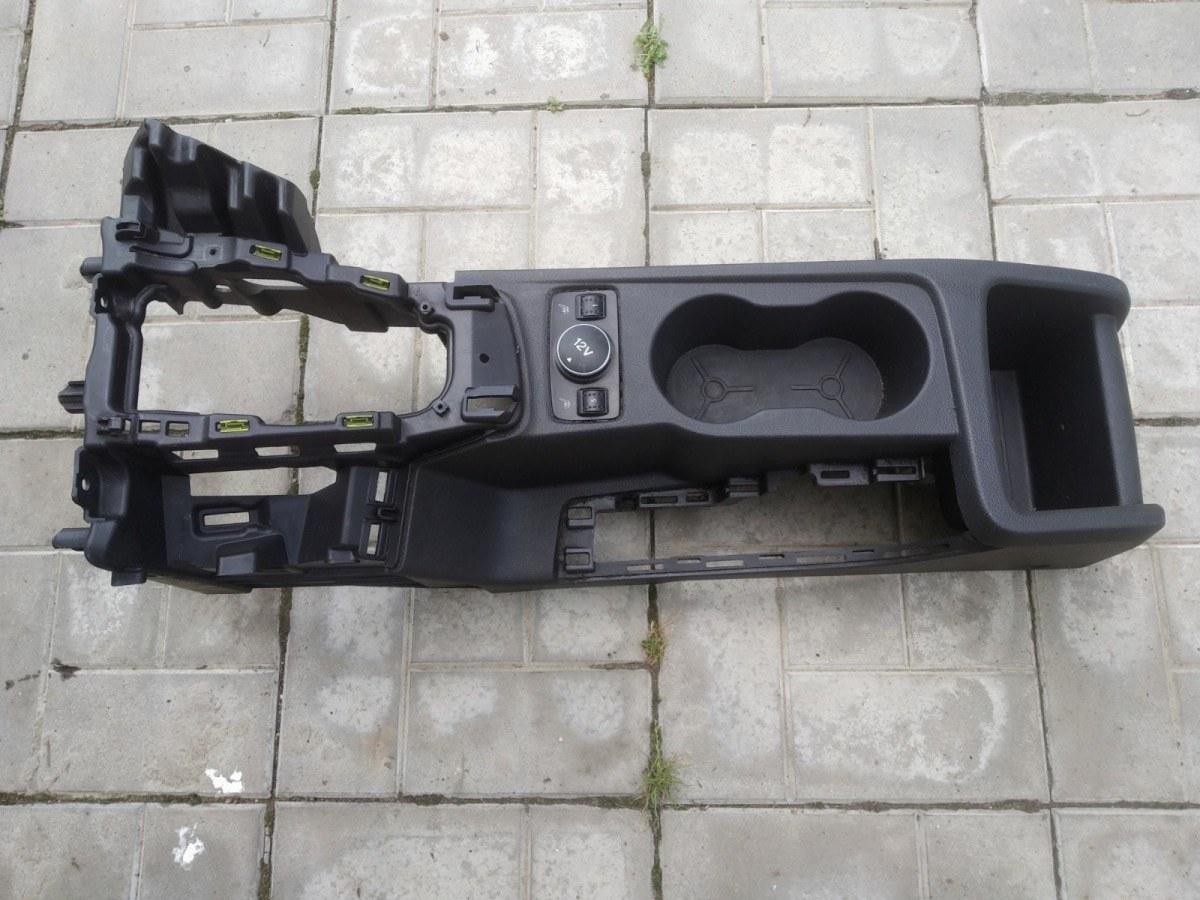 Центральная консоль Ford Focus 3 СЕДАН 1.6 2012 (б/у)
