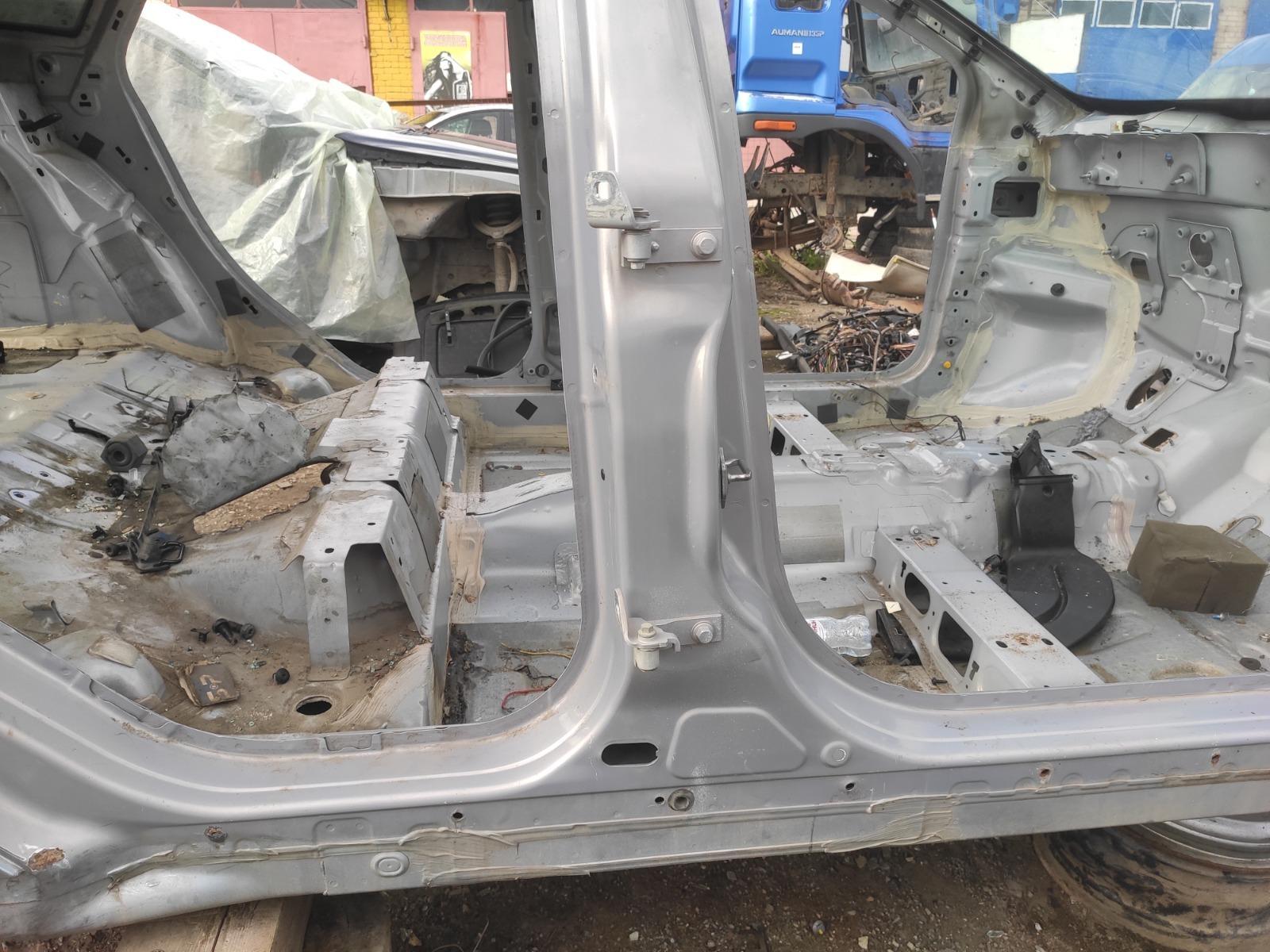 Центральная стойка Ford Focus 3 СЕДАН 1.6 2012 правая (б/у)