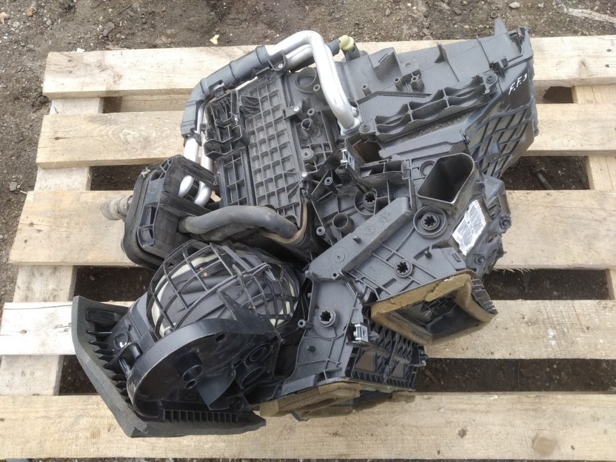 Корпус печки Ford Focus 3 СЕДАН 1.6 2012 (б/у)