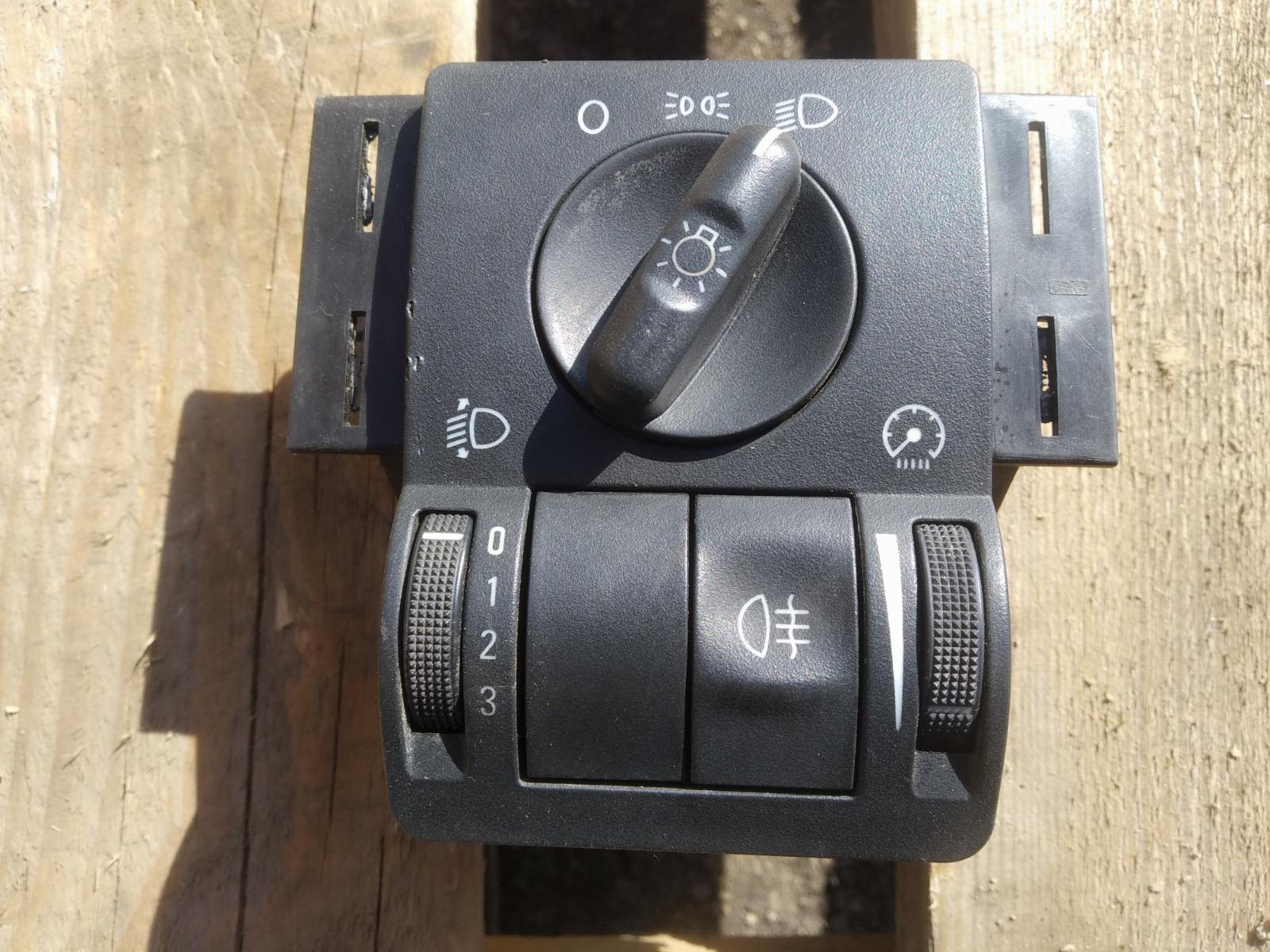 Блок управления светом Opel Corsa C ХЭТЧБЕК 3ДВ. 1.0 2006 (б/у)