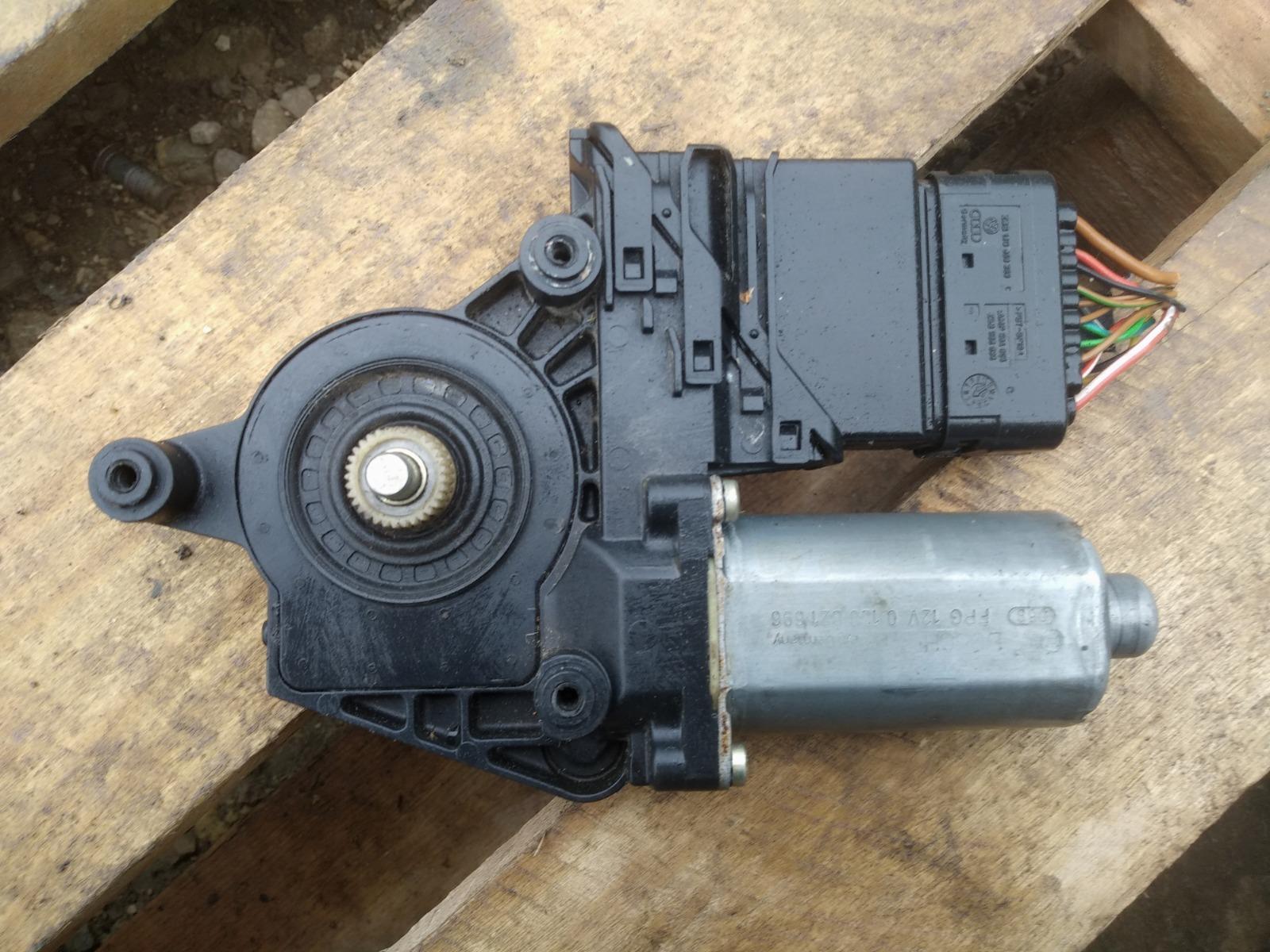 Моторчик стеклоподъёмника Volkswagen Passat B5 задний правый (б/у)