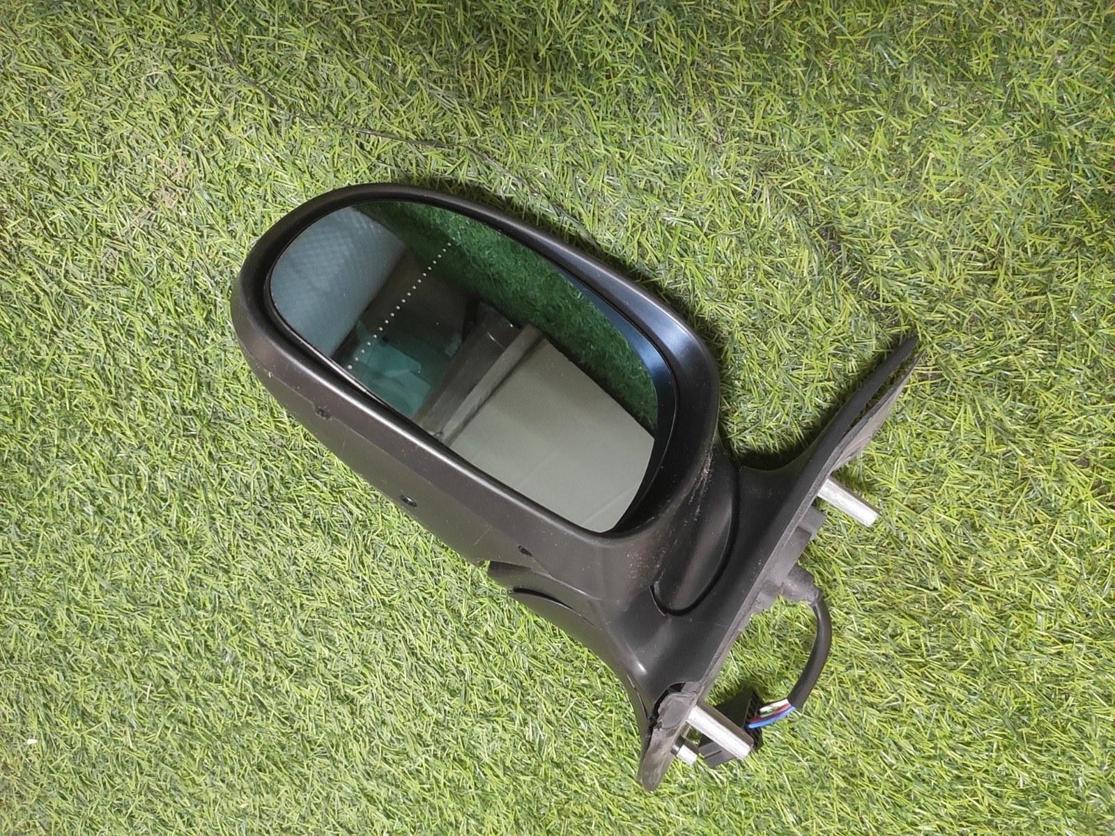 Зеркало заднего вида Peugeot 406 переднее левое