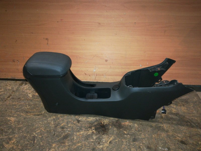 Консоль между сидений Chevrolet Cruze J 300 (б/у)