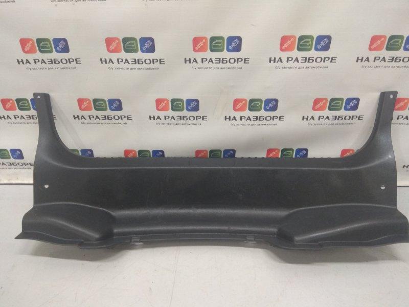 Накладка на заднюю панель Mazda 3 BL 1.6 2011 (б/у)