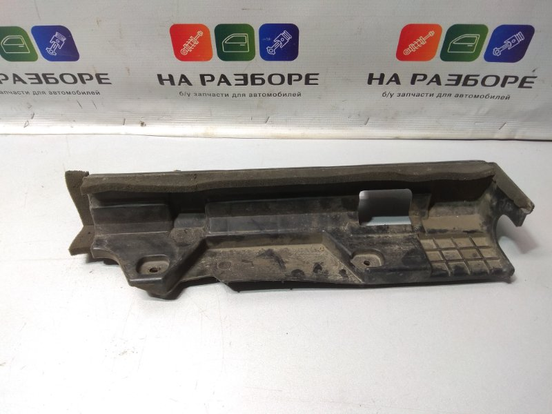 Дефлектор радиатора Hyundai Solaris (б/у)