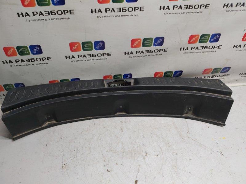 Накладка на заднюю панель Kia Sportage задняя (б/у)