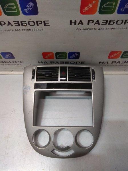 Дефлектор на торпедо Chevrolet Lacetti (б/у)